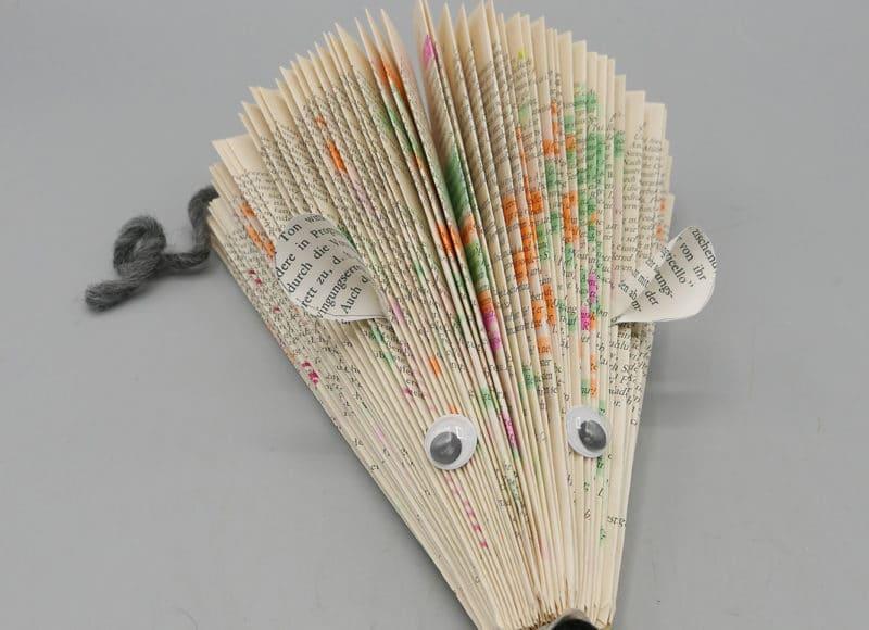 Bücherigel und Leseratte können im Ferienprogramm des Handwerksmuseums gefaltet werden