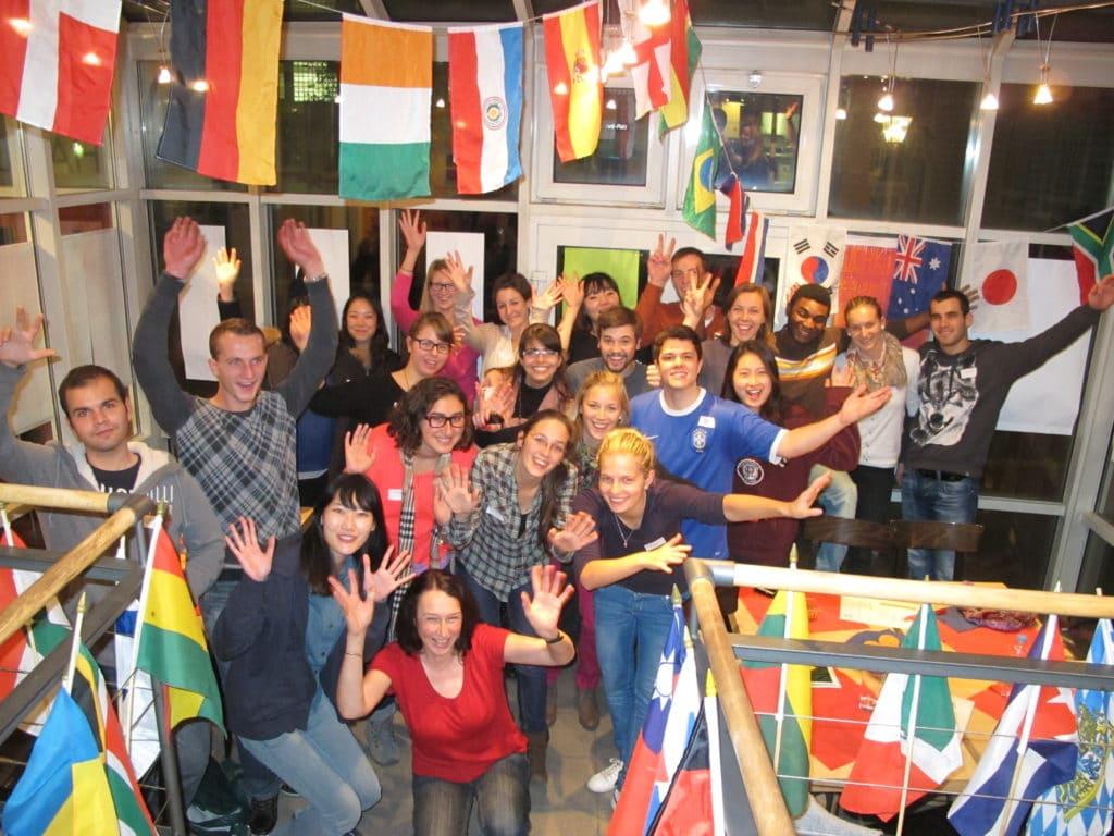 Internationale Studierende im Café Handwerksmuseum