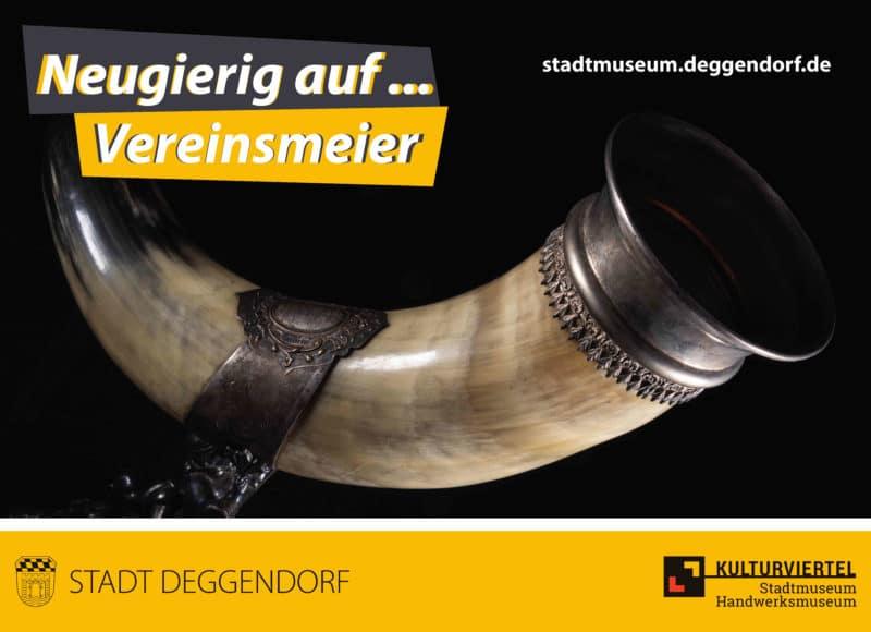Neugierig auf Vereinsmeier: Nahaufnahme eines Trinkhorns des Ruderverein Deggendorf