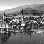 Blick von der Donau auf das erste Vereinshaus des Ruderverein Deggendorfs