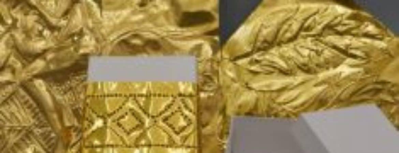 """Ausstellungsstücke des Kinder-Workshops """"Es ist nicht alles Gold was glänzt"""" im Handwerksmuseum Deggendorf"""