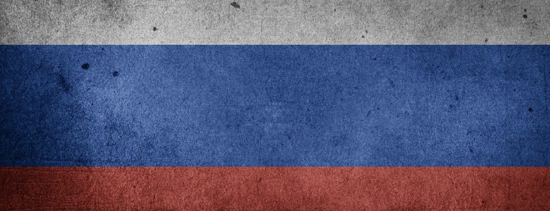 Russische Flagge als Zeichen des Schnupperkurs Russisch im Handwerksmuseum Deggendorf