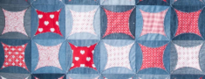 """Ausstellungsstück aus """"Textile Variationen"""" im Handwerksmuseum Deggendorf"""