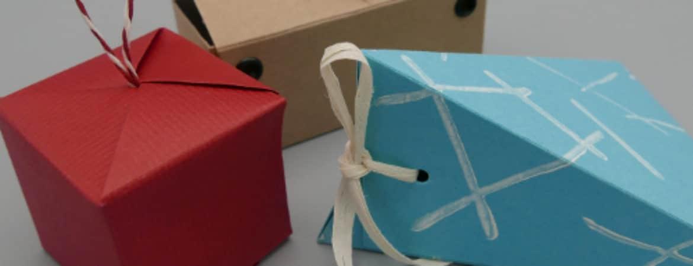"""Ausstellungsstücke aus dem Workshop """"Boxenstopp"""" im Handwerksmuseum Deggendorf"""