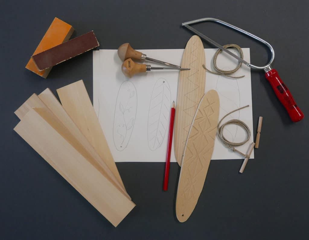 Werkzeuge, Pläne und Holz für unser